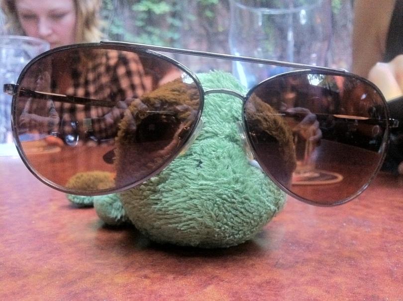 Elmer catches some zzzzzzzs, as we enjoy a few pints.